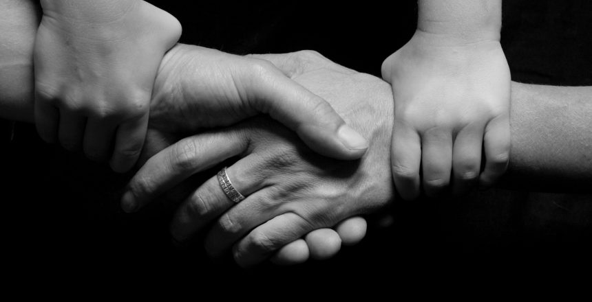 black-and-white-connected-hands-love-265702 (1)